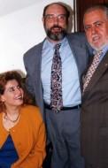 Sergio Casoy entre o soprano russo Natalia Margrit e o marido, maestro Silvano- 03/12/1999