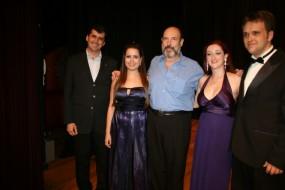 Sergio Casoy e Vencedores do Concurso de Canto Rotary 2010-Francisco Carneiro Souza(Presidente Rotary), Gabriella Rossi (sopr), Elaine F.Stecca(sopr) e Cleyton P.Soares (tenor)-31.03.2010