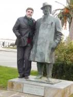 Sergio Casoy em visita à estátua de Puccini em Torre del Lago - 29.01.2014