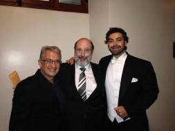 Sergio Casoy entre o compositor João Guilherme Ripper e o tenor Eric Herrero.20.07.2018-TMSP, ópera PIEDADE